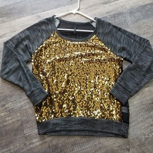 Tops - Dressy sequins sweater